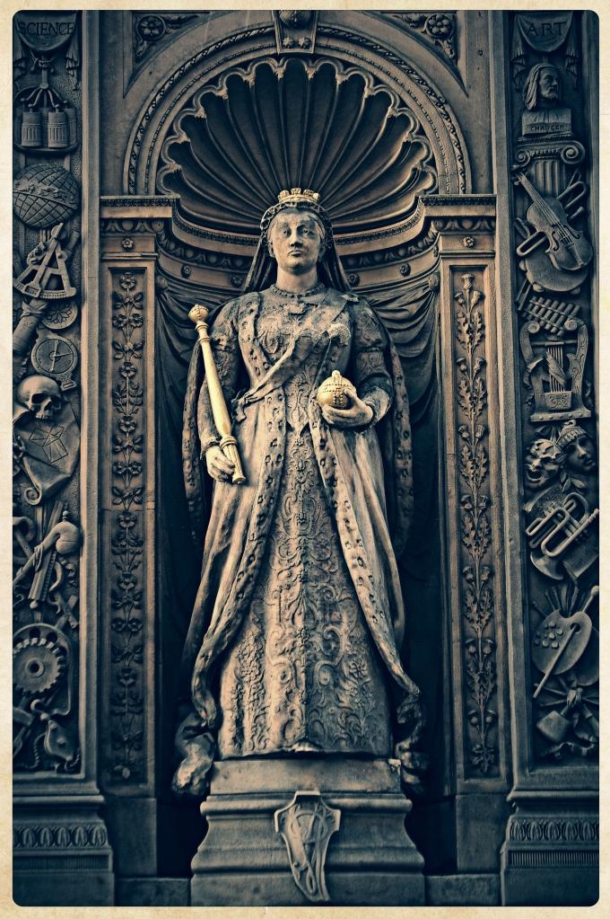 Gawd' bless yer Majesty..