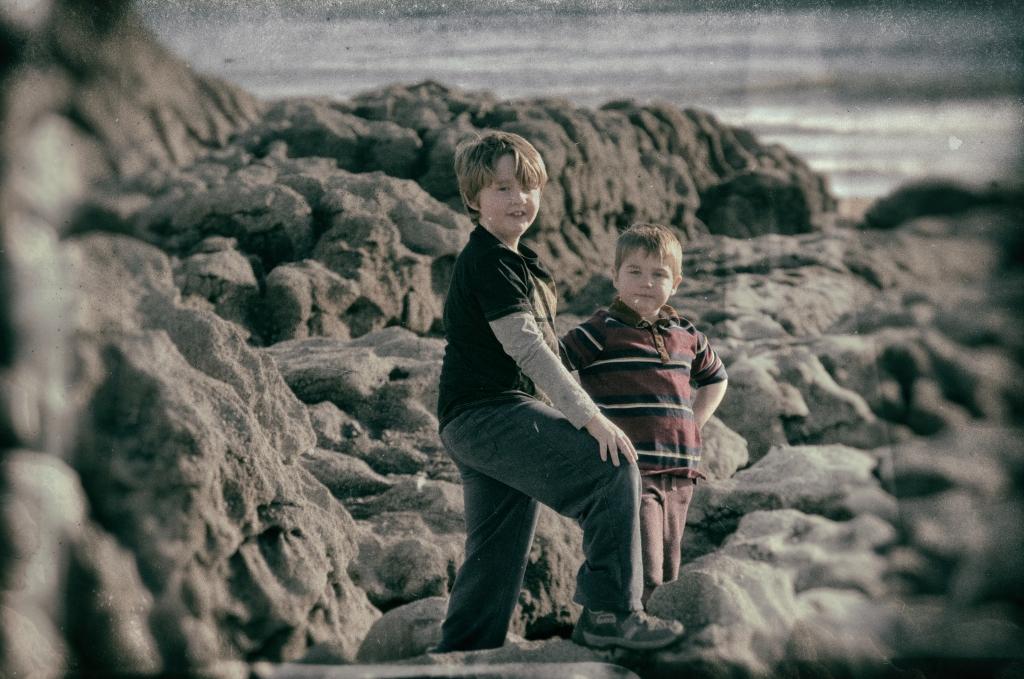 Oskar and Jasper, conquerors of Mars